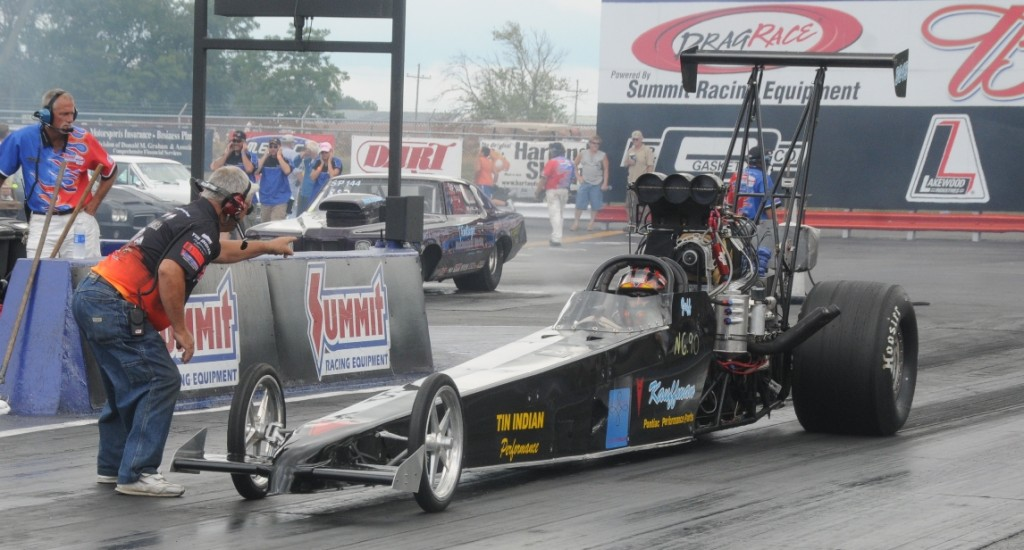 Jeff Kauffman blown rear engine dragster staged