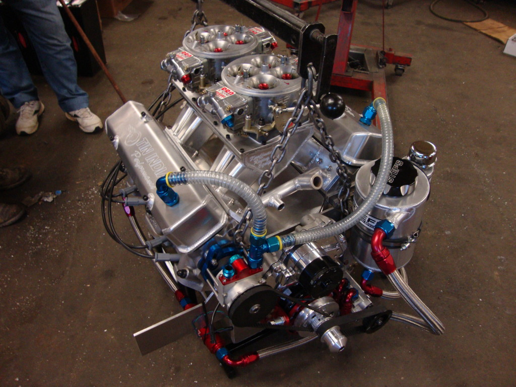 Charlie Bowers 535 Pontiac engine
